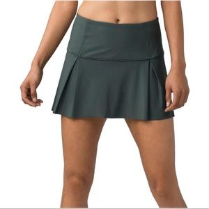 Lululemon Lost In Pace Skirt in Dark Forest